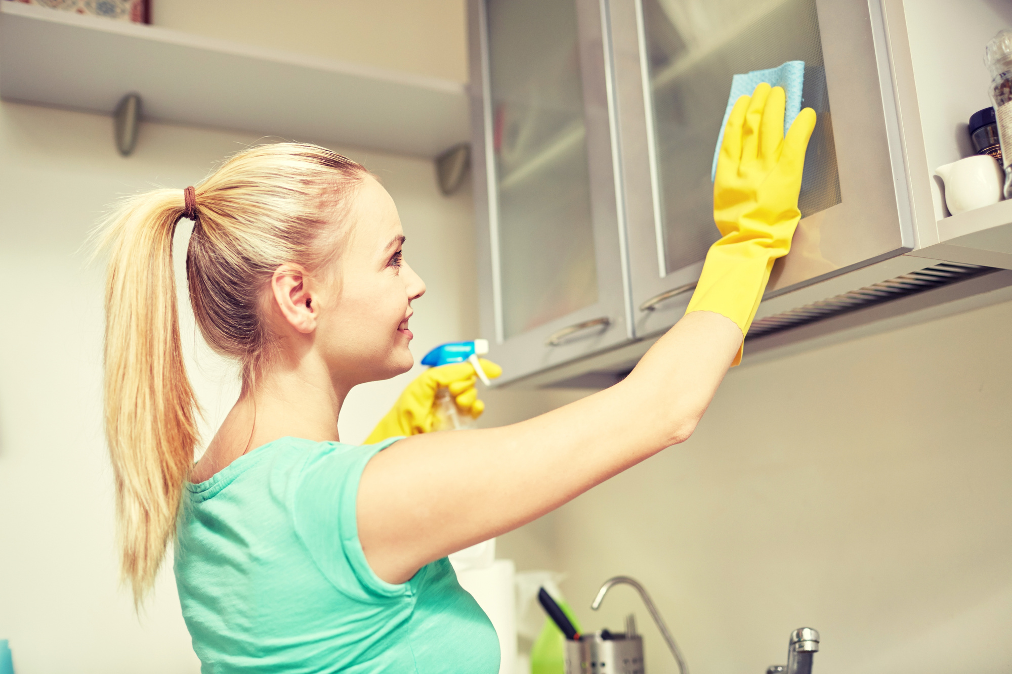 How to Clean Greasy Kitchen Cabinet Doors